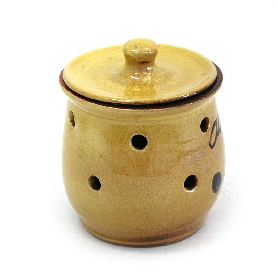 Vista lateral 1 del pot per a alls de ceràmica