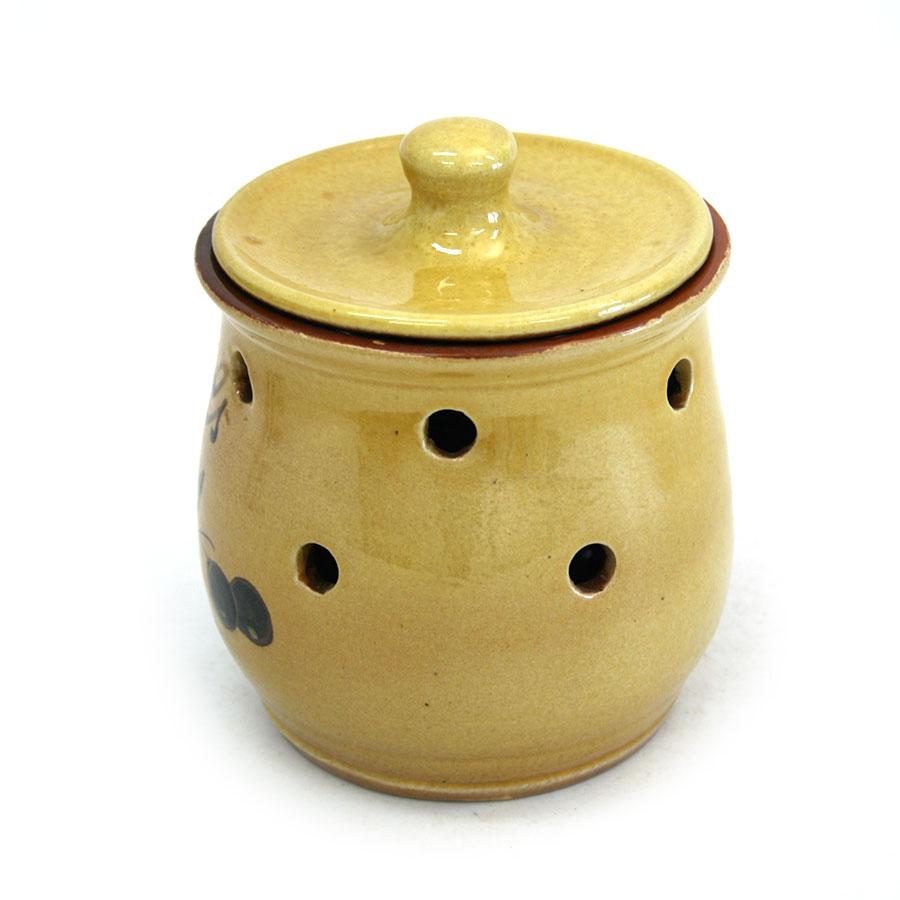 Vista lateral 2 del pot per a alls de ceràmica