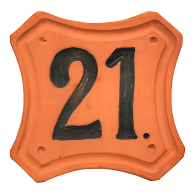 Número de ceràmica moldejada