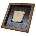 Vista 3/4 del marc de fusta + suport per a clavar rajoles