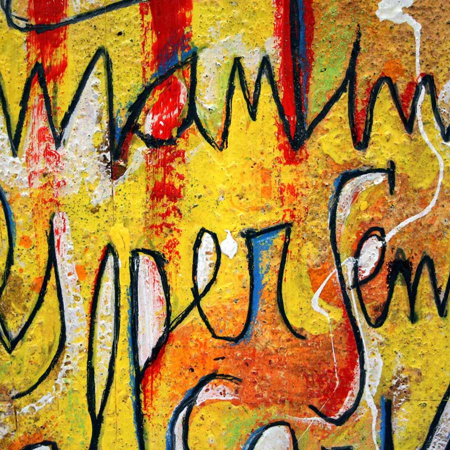 Detall de les lletres pintades