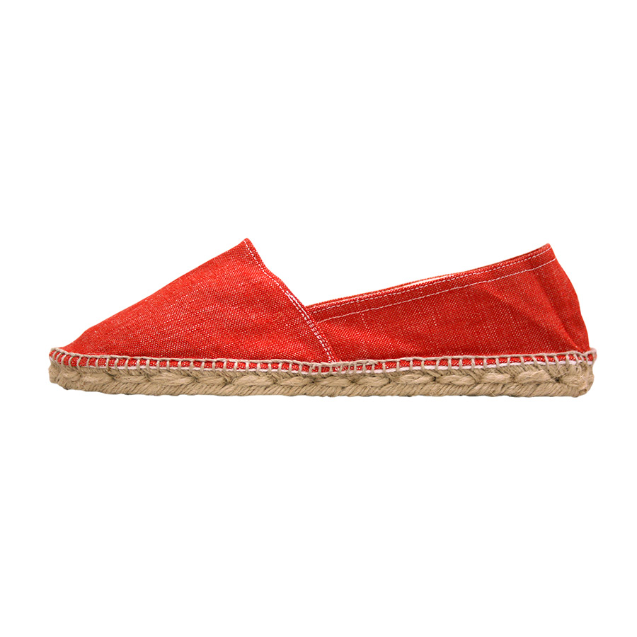 Lateral 1 d'espardenya amb roba vermella llisa