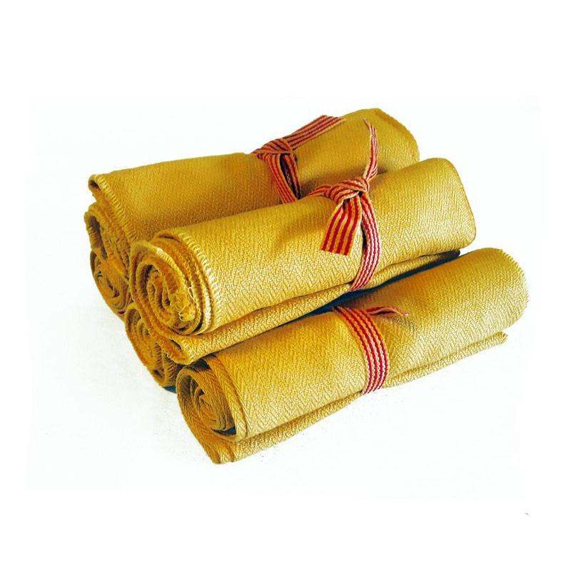 Bufandes grogues enrotllades